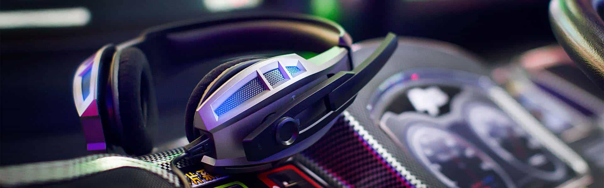 Headphones vs Headset – Which Should I Choose For Gaming?