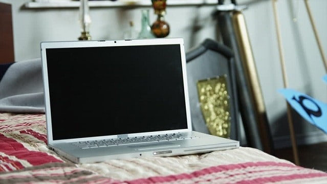 how to keep laptop cool on bed