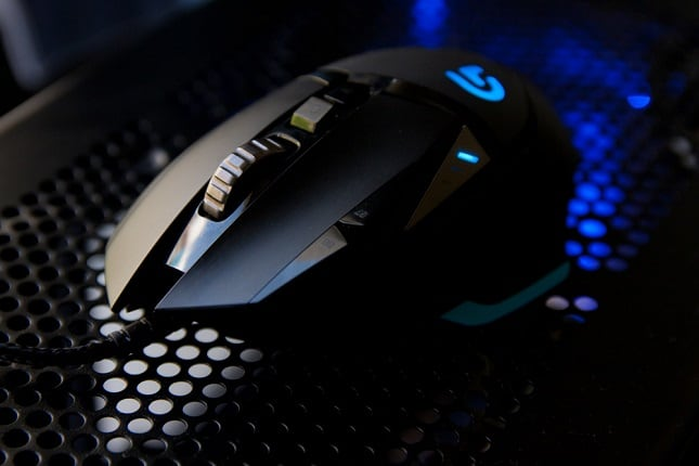 Logitech G502 Hero Review 2019 - Why This Gaming Mouse Is So