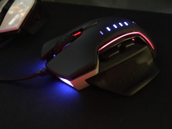 Corsair Glaive RGB Gaming Mouse Review 2019 - Is This Mouse